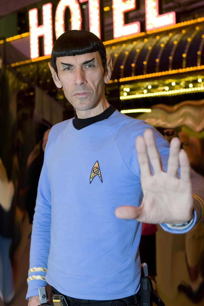 Photogrsappher in Las Vegas meets Star trecks Spock